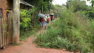 Zé do Bairro volta a Barra do Piraí, RJ, para conferir reclamação de moradores - Inspetor das Comunidades voltou ao Areal para ver como está a situação em rua que estava desmoronando.