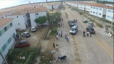 Cerca de 700 imóveis do Programa 'Minha Casa, Minha Vida' são desocupados em Teresina (PI) - Uma decisão judicial determinou a retirada dos invasores.