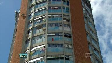 Polícia diz que já tem alguns suspeitos de ter matado professor no Recife - Rapaz de 21 anos que se apresentava como sobrinho do professor foi quem encontrou o corpo.