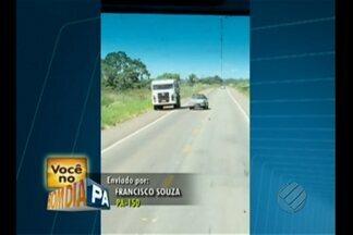 Motorista é flagrado em conduta imprudente na PA-150, próximo a Marabá - Condutor segue na contramão e por pouco não se choca com caminhão. Em seguida, escapa de bater em motocicleta.