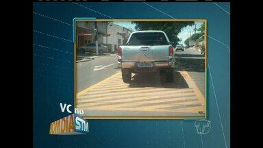 Carro é estacionado em local proibido em Santarém - Telespectador enviou foto para o BDS, mostrando carro estacionado em local inadequado na Avenida Marechal Rondon, com Travessa Morais Sarmento.