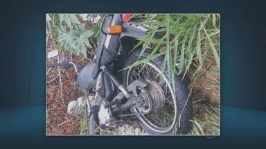 Assaltante rouba moto de casa em Americana, SP, e depois abandona em matagual - O furto foi no bairro Morado do Sol, nesta terça-feira (26), por volta das 1h. A moto foi devolvida ao dono e por enquanto ninguém foi preso.