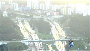 Veja imagens do trânsito na Avenida Paralela e na Ligação Iguatemi-Paralela - Confira no Radar do JM.