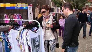 Projeto 'Viva a Orla' realiza atividades na beira do Guaíba em Porto Alegre - Quem passou pelo local pode conferir feira de roupas, brechós e artesanato.