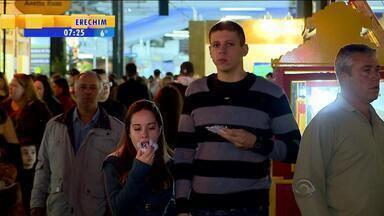 Mais de 60 mil pessoas visitam a Fenadoce no final de semana - Cerca de 500 mil doces foram vendidos.