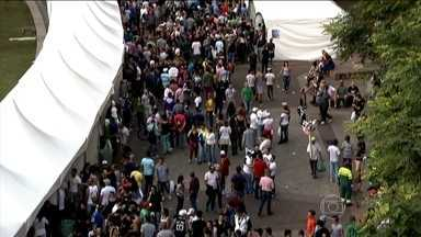 SP é a cidade mais procurada por quem viaja de avião no feriado prolongado - Neste feriado prolongado, São Paulo é a cidade do Brasil que mais atrai turistas que viajam de avião. Festas religiosas, congressos e a parada gay são os maiores motivos pra essa gente toda visitar a cidade.