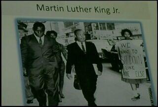 Petrópolis, RJ, recebe exposição sobre Martin Luther King - Alunos da rede pública da cidade foram visitar mostra.