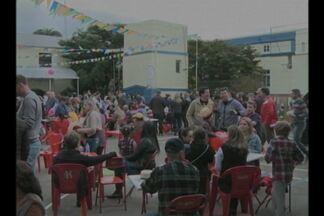 Tradicional festa junina do Colégio Santíssima Trindade foi realizada neste sábado(13) - Aproximadamente 1500 pessoas participaram da comemoração.