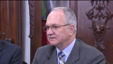 Luiz Edson Fachin toma posse como ministro nessa terça-feira - O jurista, que fez sua carreira em Curitiba, substitui no STF o ex-ministro Joaquim Barbosa.