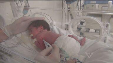 Dois dos quíntuplos recebem alta de hospital - Saíram do hospital, dois, dos cinco bebês de um casal da região que nasceram há pouco mais de dois meses na capital.