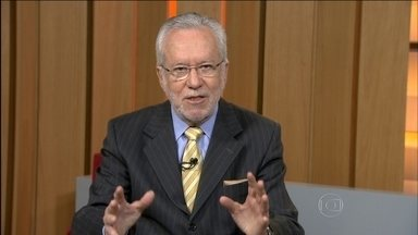 'O que deve estar faltando é uma boa administração do Pronatec', diz Alexandre Garcia - Alexandre Garcia lembra que a presidente Dilma Rousseff já atribuiu prioridade ao programa e garantiu que o ajuste fiscal não resultará em cortes no Pronatec.