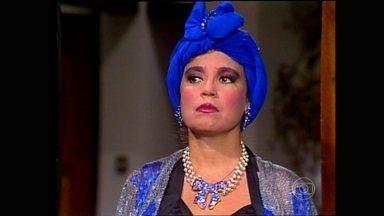 Regina Duarte lembra a experiência de ter gravado Roque Santeiro - Atriz comenta o figuro de Viúva Porcina