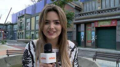 Suzanna Freitas visita o Projac - Filha de Kelly Key conhece cidade cenográfica e acervo de figurino de Malhação