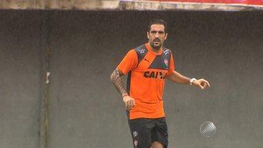 Vitória aproveita semana de folga dos jogos para ajustar o time; novo reforço pode chegar - Confira as notícias do rubro-negro baiano.