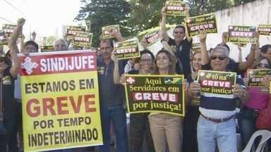 Em Porto Velho, servidores da Justiça Federal aderem greve nacinal - Eles reivindicam reajuste salarial. Greve será por tempo indeterminado.