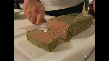 Prefeito sanciona lei que proíbe a venda de foie gras - A lei que proíbe a comercialização do patê de fígado de ganso entra em vigor em 45 dias. Em caso de descumprimento, o comerciante poderá ser multado em R$ 5 mil.