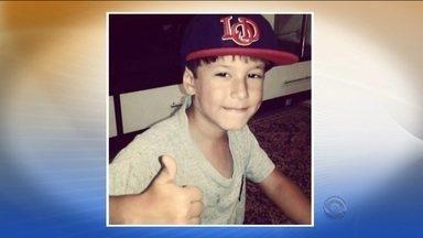 Dois suspeitos de envolvimento em tiroteio que matou menino de 6 anos são presos - Dois suspeitos de envolvimento em tiroteio que matou menino de 6 anos são presos