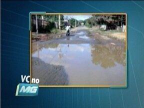 VC no MG: Telespectador envia um flagrante de desperdício de água em Governador Valadares - Água está vazando há cerca de uma semana.