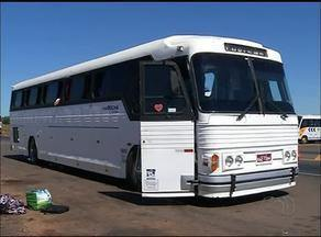 PRF e PM apreende maconha e crack em ônibus - PRF e PM apreende maconha e crack em ônibus