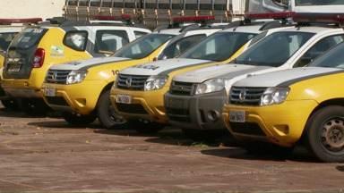 Viaturas estão paradas no batalhão da PM em Foz por falta de dinheiro para a manutenção - Governo não repassou dinheiro suficiente para contratar oficina mecânica