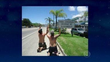 Jô abre programa de sexta-feira com pérolas em placas recolhidas pelas estradas do Brasil - Os Fulanos, Lívia Nestrovski e Fred Ferreira são os convidados da noite
