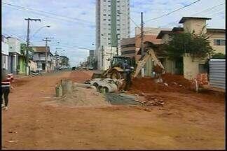Obras de revitalização da Avenida Senador Montandon chegam à segunda fase em Araxá - Canteiros vão ser retirados e pavimentação vai receber melhorias.Prefeitura informou que interdição desta etapa será rápida.
