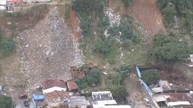 Chuvas provocam mortes e muitos transtornos na Região Metropolitana do Recife - Houve deslizamentos de barreiras, árvores caíram, casas foram destruídas e avenidas ficaram alagadas.