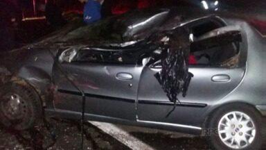 Um acidente na BR 476 em União da Vitória deixou 8 pessoas feridas. - O acidente foi ontem à noite e envolveu um caminhão e três carros. A Polícia Rodoviária Federal suspeita que o acidente tenha sido causado por uma tentativa de ultrapassagem.