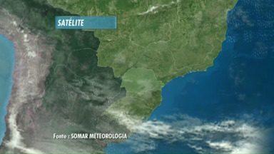 Frente fria vai mudar o tempo no Paraná - Tem previsão de chuva para os próximos dias. Temperaturas também mudam.
