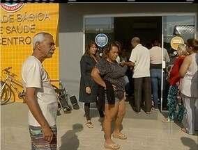 Moradores de Iguaba, RJ, reclamam da dificuldade para marcar exames em posto de saúde - Falta de informações seria um dos problemas.
