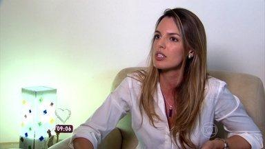 Psicóloga Daniela Ervolino explica que não tem lugar para paquerar - A repórter Talitha Morete foi saber se as pessoas acreditam que o amor pode acontecer em qualquer lugar
