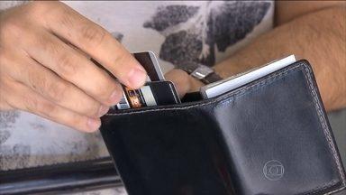 Pontos de cartão de crédito podem ser usados para gasolina e comida - Resgate de pontos em sistemas de crédito aumenta até 135% em 2015. Especialistas dizem quando vale a pena usar.