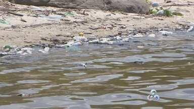 Investigação busca descobrir causa de morte de peixes próximo à obra de hidrelétrica - Neste fim de semana muitos peixes morreram próximo à obra da Hidrelétrica de Santo Antônio, em Laranjal do Jari. Um laudo deve sair daqui há cinco dias, depois que amostras da água e do pescado forem analisadas.