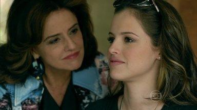 Fanny orienta Giovanna a se afastar de Anthony - Empresária afirma que cuidará da carreira da menina