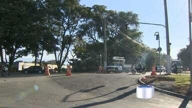 Mudanças viárias ainda confundem motoristas em Taubaté, SP - Região da Rodoviária Nova teve mudanças no trânsito.