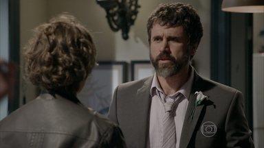 Gael permite que Pedro e Karina durmam juntos - Mas o mestre exige que a porta do quarto fique aberta