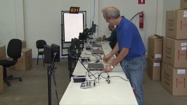 Fórum de Cascavel recebe novas máquinas para o recadastramento biométrico - Equipamentos começam a funcionar na próxima semana.