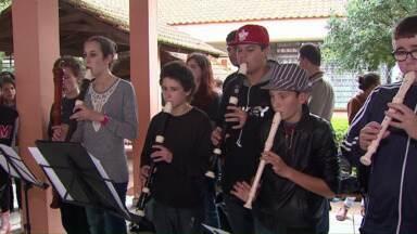 Festival de Música de Cascavel termina neste sábado - Várias canções foram apresentandas na tarde desta sexta.