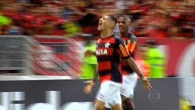 Flamengo supera o Grêmio na estreia de Guerrero no Maracanã - Paola faz o gol da vitória em sua primeira partida no templo do futebol.