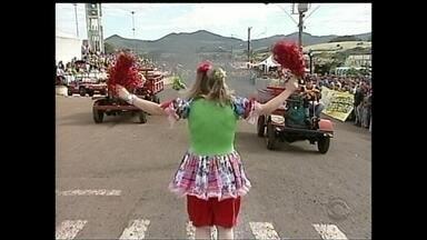 Festa Julina em Iomerê tem corrida de tobatas - Festa Julina em Iomerê tem corrida de tobatas