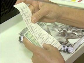 Especialistas alertam para os riscos de 'emprestar' nome para parentes ou amigos - Juros do cartão de crédito subiram nos últimos anos.