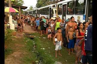 Veranistas reclamaram da falta de ônibus ao voltar de Outeiro para Belém - Reclamação foi geral no último final de semana.