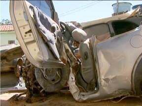 Grave acidente mata casal e filho de 9 anos na AMG-2040 em Guapé - Somente o filho de 5 anos sobreviveu.