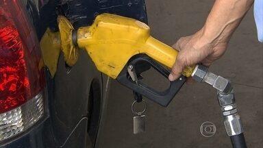 De janeiro a maio, venda de etanol cresce mais 80% em Minas Gerais - Segundo a ANP, mineiros estão trocando a gasolina pelo álcool por causa da diferença de preço dos combustíveis.
