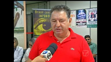 Em Santarém, candidatos do exame da OAB fazem protesto - Prova foi aplicada no domingo (19). Eles alegam que falta de energia dificultou realização do exame.