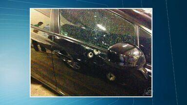 Tribunal de Justiça do Ceará fará perícia em carro de desembargador atingido por tiros - Outro homem se apresentou como dono do carro, que estava com placas cinzas comuns.