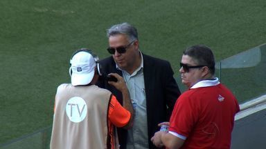 Novo treinador do Cuiabá acompanha partida das arquibancadas - Josué Teixeira tem a missão de classificar o Cuiabá
