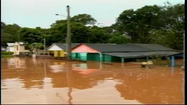 Cidades da Fronteira Oeste são incluídas no decreto coletivo de situação de emergência - Barra do Quaraí, Uruguaiana, Itaqui e São Borja foram atingidas pela cheia do rio Uruguai.