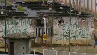 Dois detentos morrem em incêndio no Complexo do Curado - Pavilhão foi destruído pelo fogo.