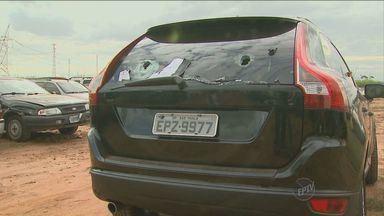 Polícia apreende carro blindado preparado para assaltos em Ribeirão Preto, SP - O veículo seria utilizado para assaltos a carros-fortes e caixas eletrônicos.